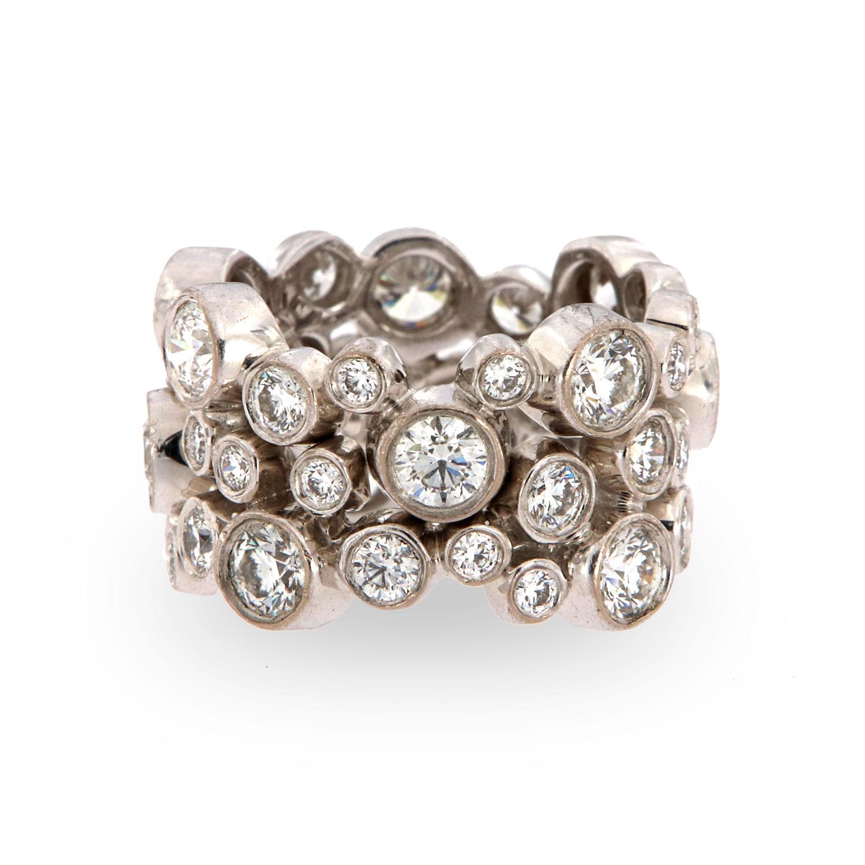 18K White Gold Hearts on Fire Bezel Eternity Diamond Ring (4.50 - Carat TW)